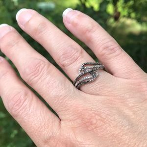 AUTHENTIC Black and White Diamond Ring Size 7.25